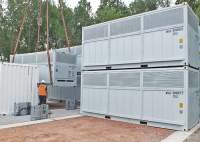 Invinity batteries being installed in Oxford, UK.